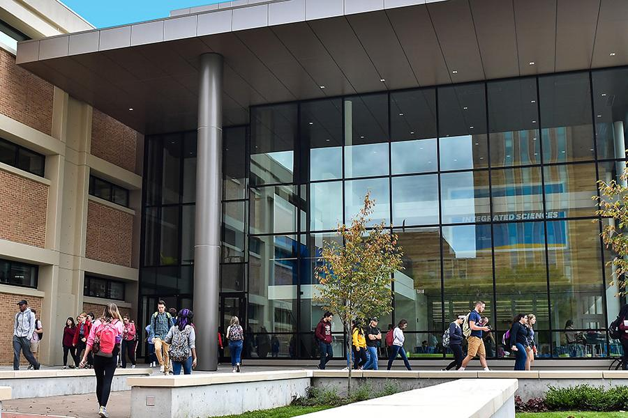 Kent State University students make their way to the Integrated Sciences Building on the Kent Campus.