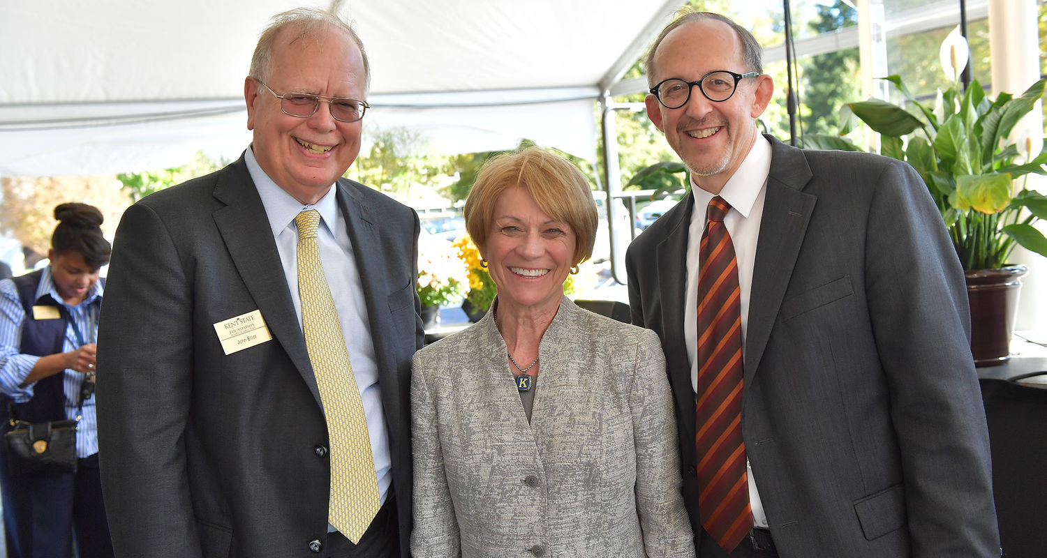 Alumnus and donor John Elliot, Kent State President Beverly Warren and Dean Mark Mistur pose for a photo during the grand opening of Kent State's new Center for Architecture and Environmental Design.
