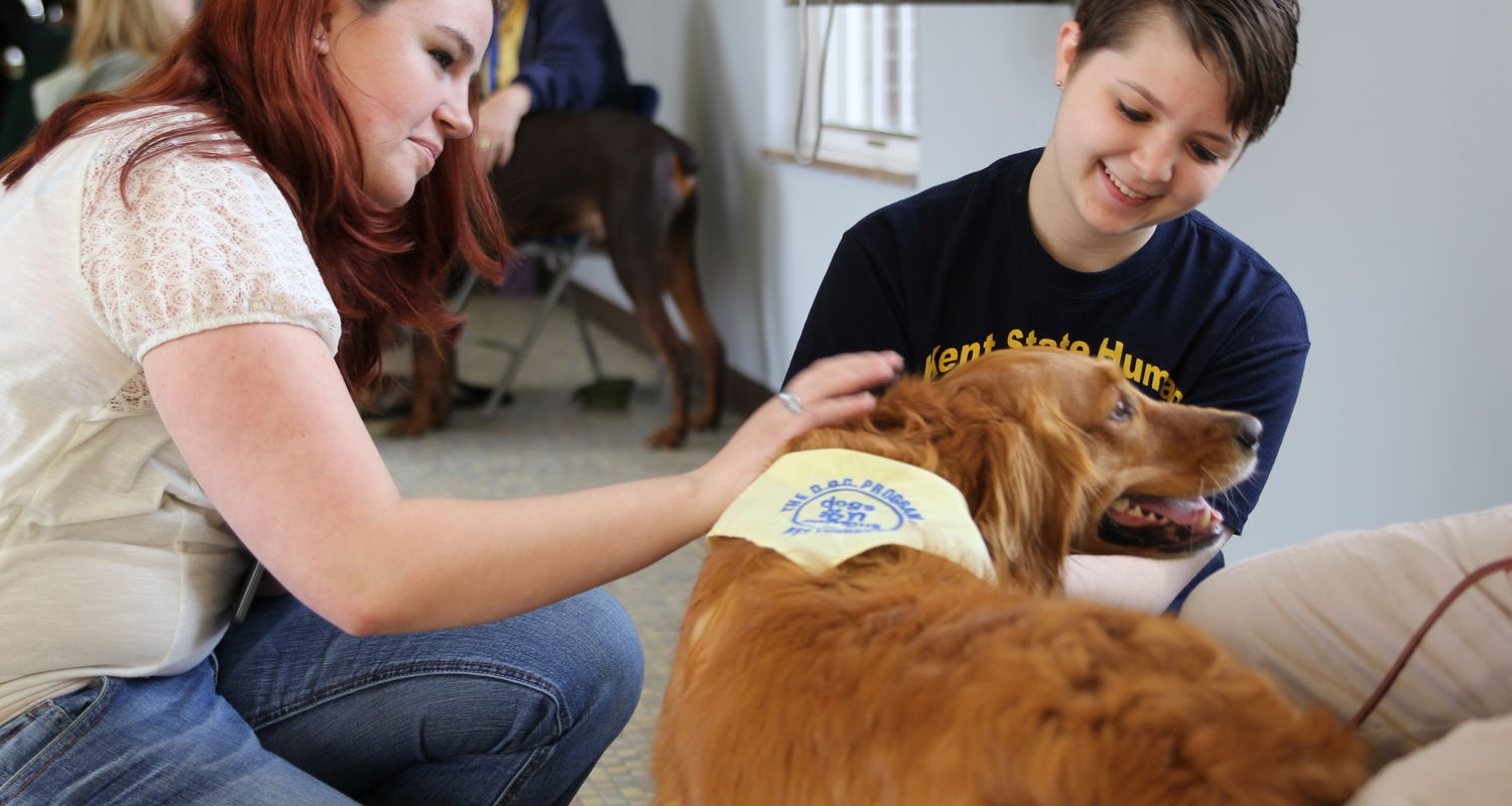 Kent State Ashtabula students and the Dogs on Campus program