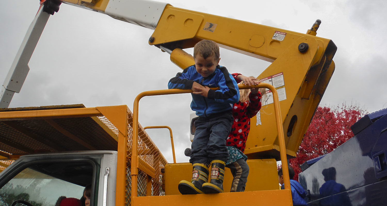 Kent State's University Facilities Management Hosts Third Meet the Trucks Event for Child Development Center