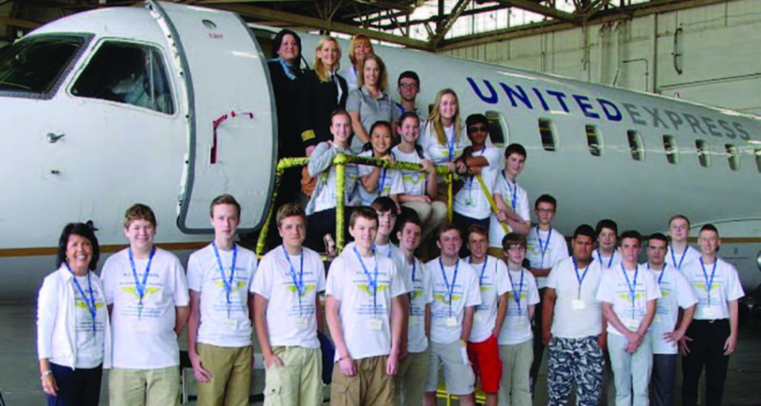 ACE Academy students United Express aircraft
