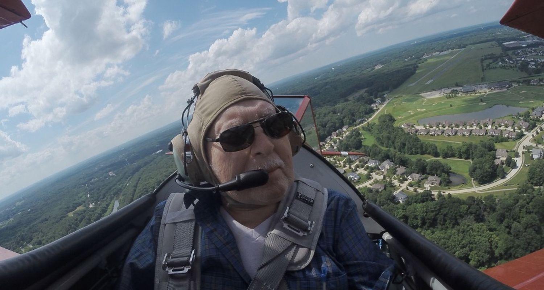 photo Kent State University biplane ride