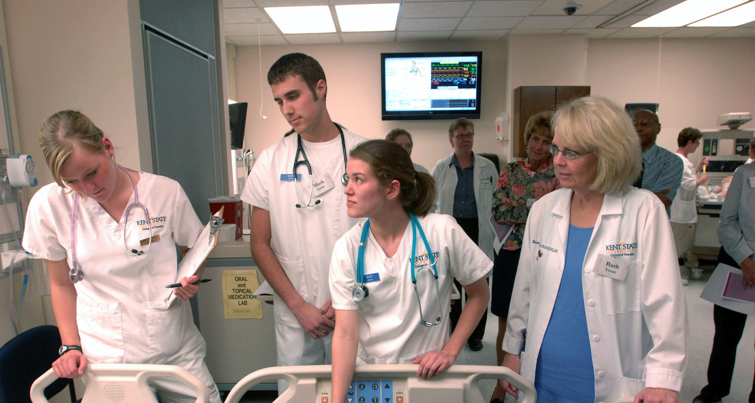 Our expert faculty guide our students through realistic clinical scenarios