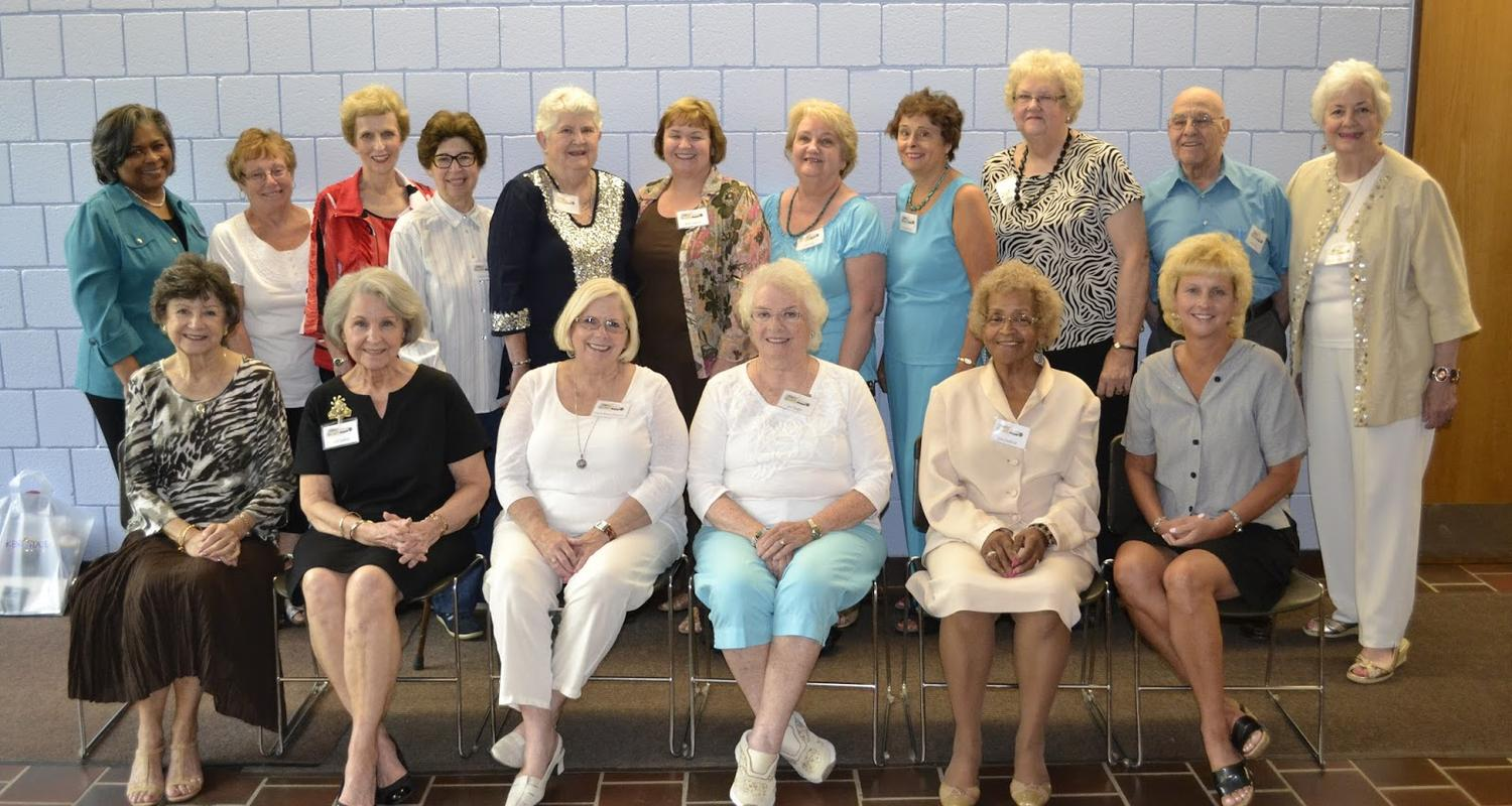 Emeriti and current faculty meet to discuss the latest at the College of Nursing during the annual Legacy Luncheon