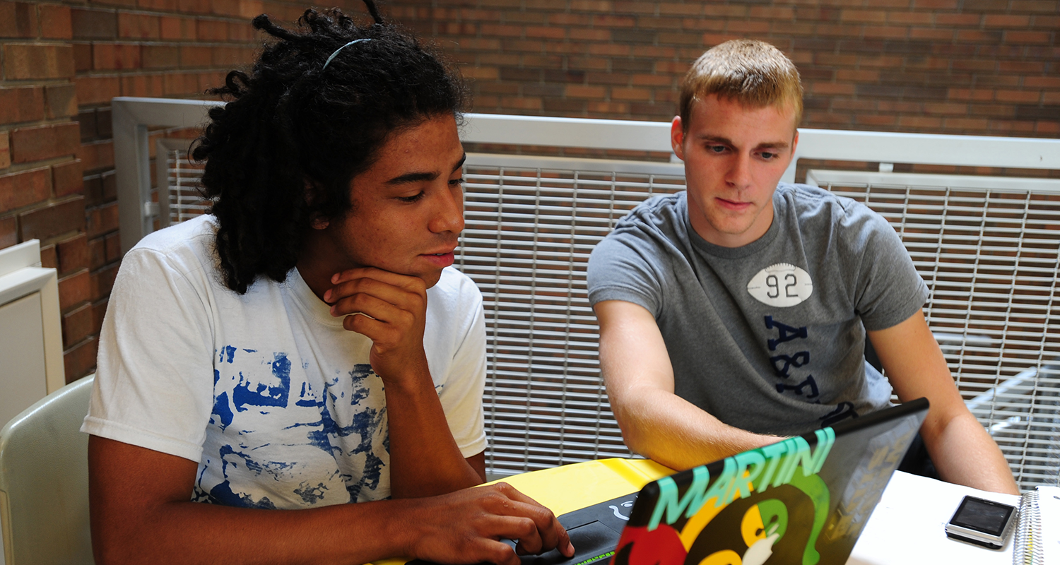 Students from Partner Institution Collaborate on a Project