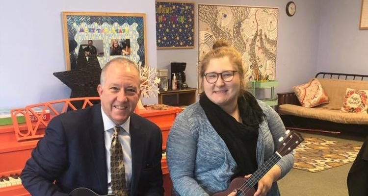 Rising Star Center for the Arts founder and Kent State student Bethany Westphal and Akron mayor Daniel Horrigan at the Center