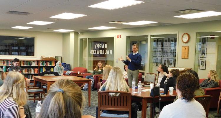 Honors Students Listen to Career Conversations Alumni Speak