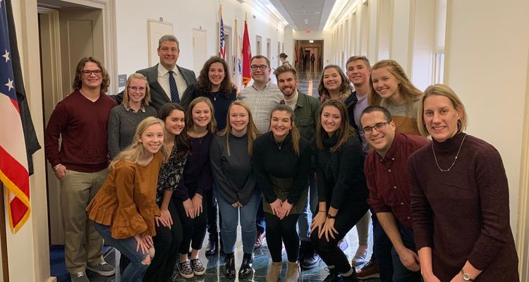 Honors Leadership Academy members pose for photo with Tim Ryan.