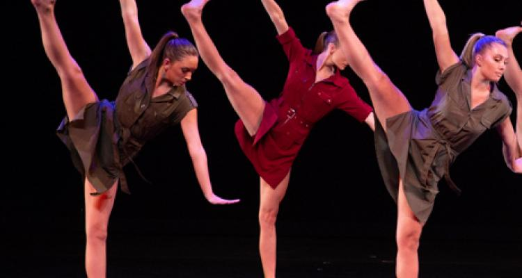Kent Dance Ensemble performs