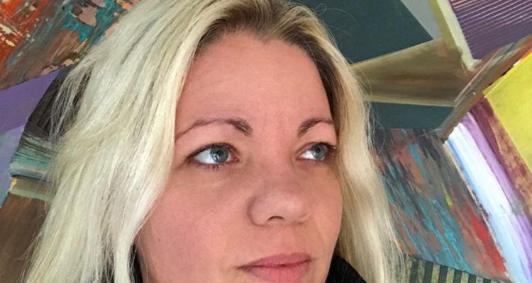 Jenniffer Omaitz portrait