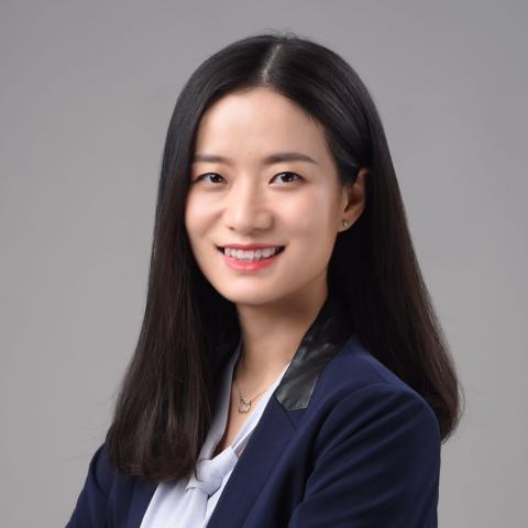Headshot of Vera Li