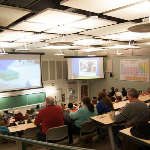 Explore Kent Chemistry attendees in a large lecture hall