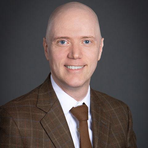 Dr. Arne Weigold