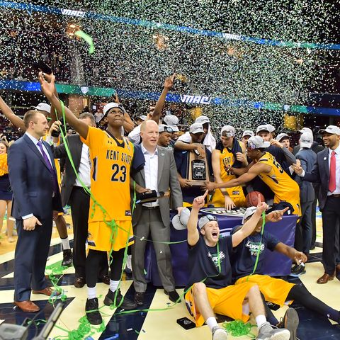 The Kent State Golden Flashes accept the trophy for winning the 2017 MAC Men's Basketball Championship.
