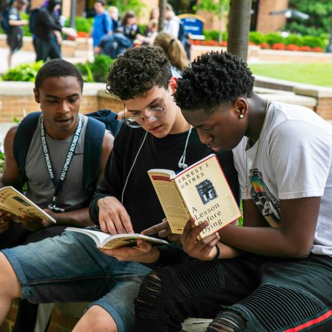 UB students reading