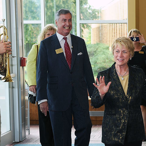 President Beverly Warren being greeted by Marching Golden Flashes