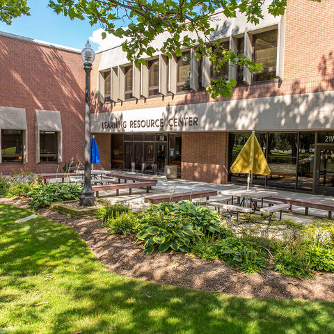 Kent State University at Stark Library