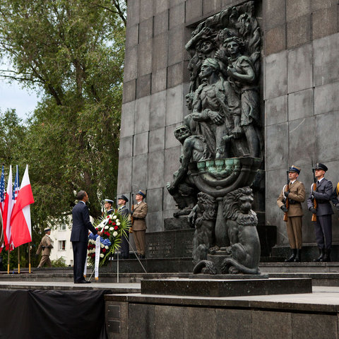 President Barack Obama lays a wreath at the Warsaw Ghetto Memorial in Warsaw, Poland, May 27, 2011. (Official White House Photo by Pete Souza)