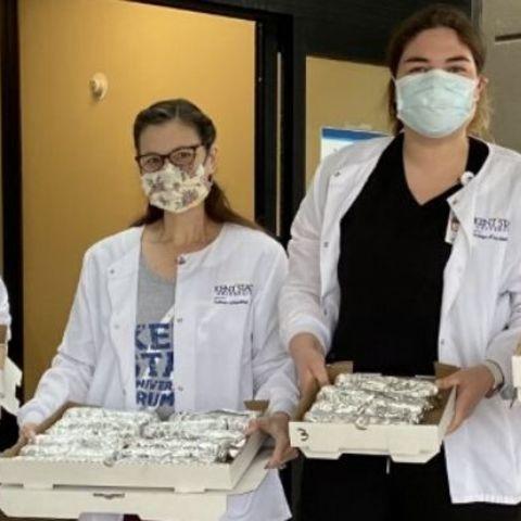student nurses donate pizza