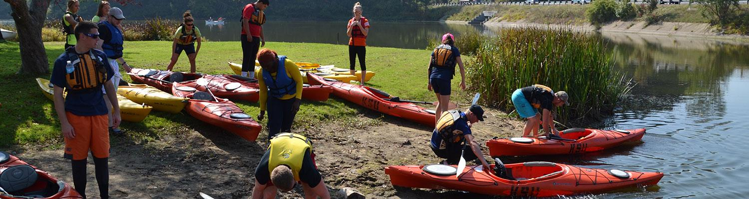 Kent State students getting ready to kayak