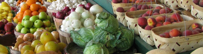 farmers market produce table