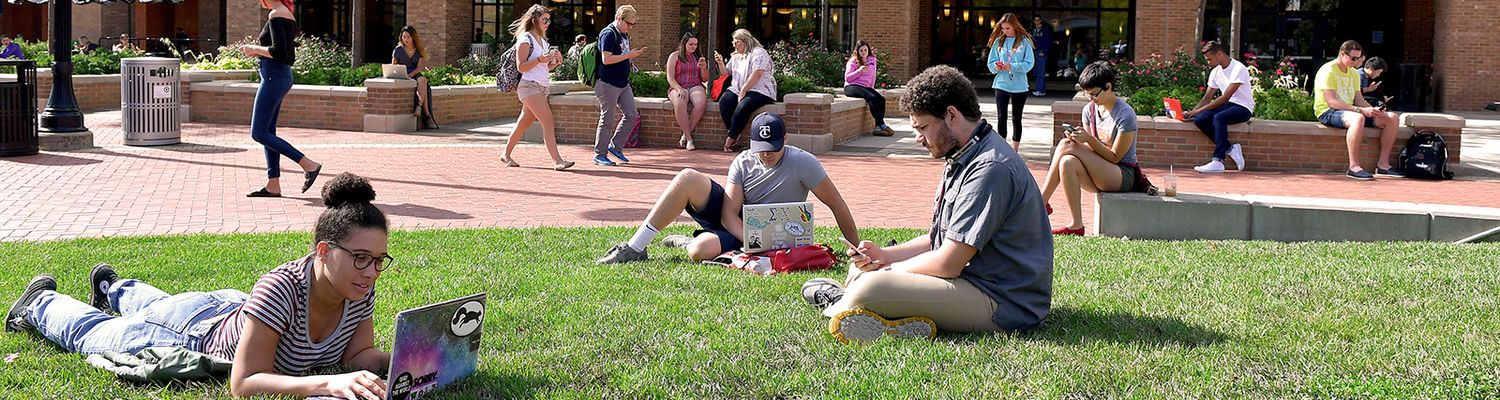 Photo of Kent State students on Risman Plaza.