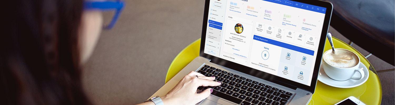 A student displays FlashLine on their laptop