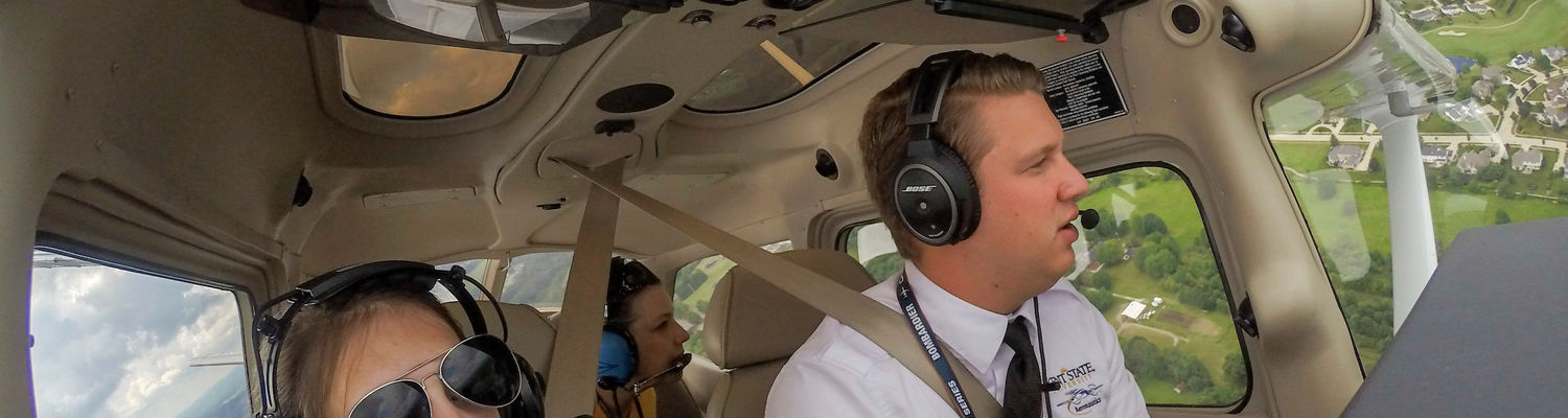 student flying with instructor pilot