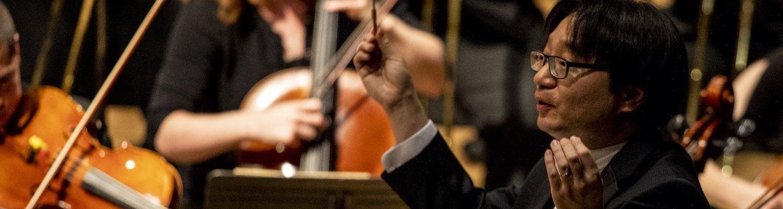Jungho Kim conducts the KSU Orchestra