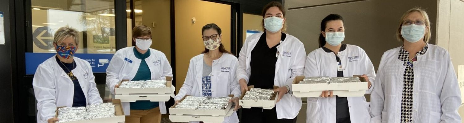 student nurses donate pizza