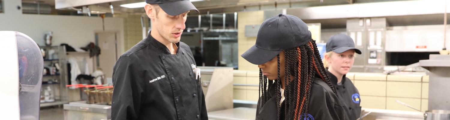 Chef Andrew Eith instructing student
