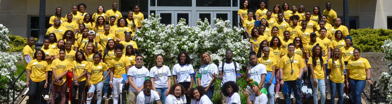 group photo of summer advantage participants