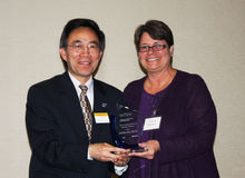 Award Recipient Dr. Yanhai Du with Dean/Dr. Christina Bloebaum