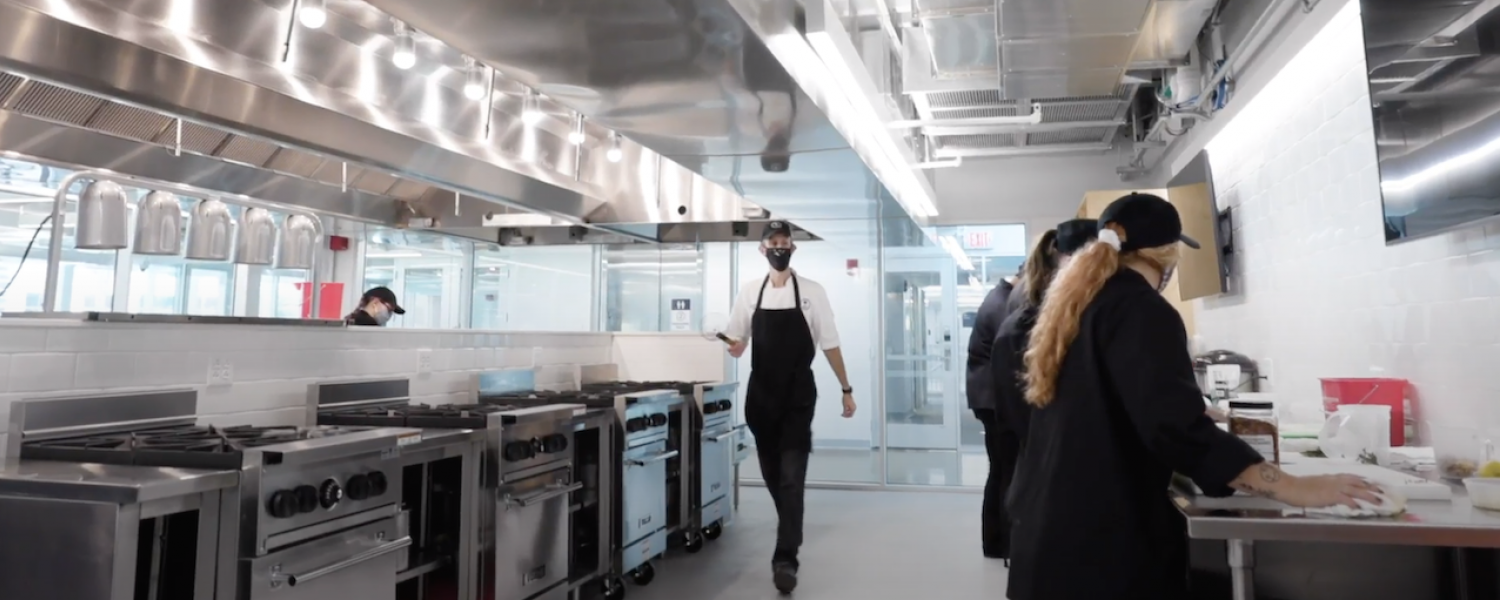Students in the new DI Kitchen