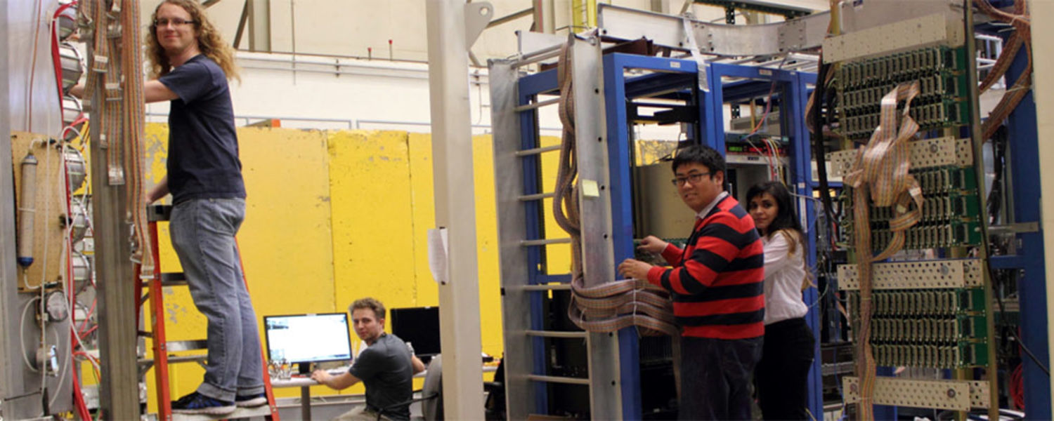Working on particles detectors at Jefferson Lab