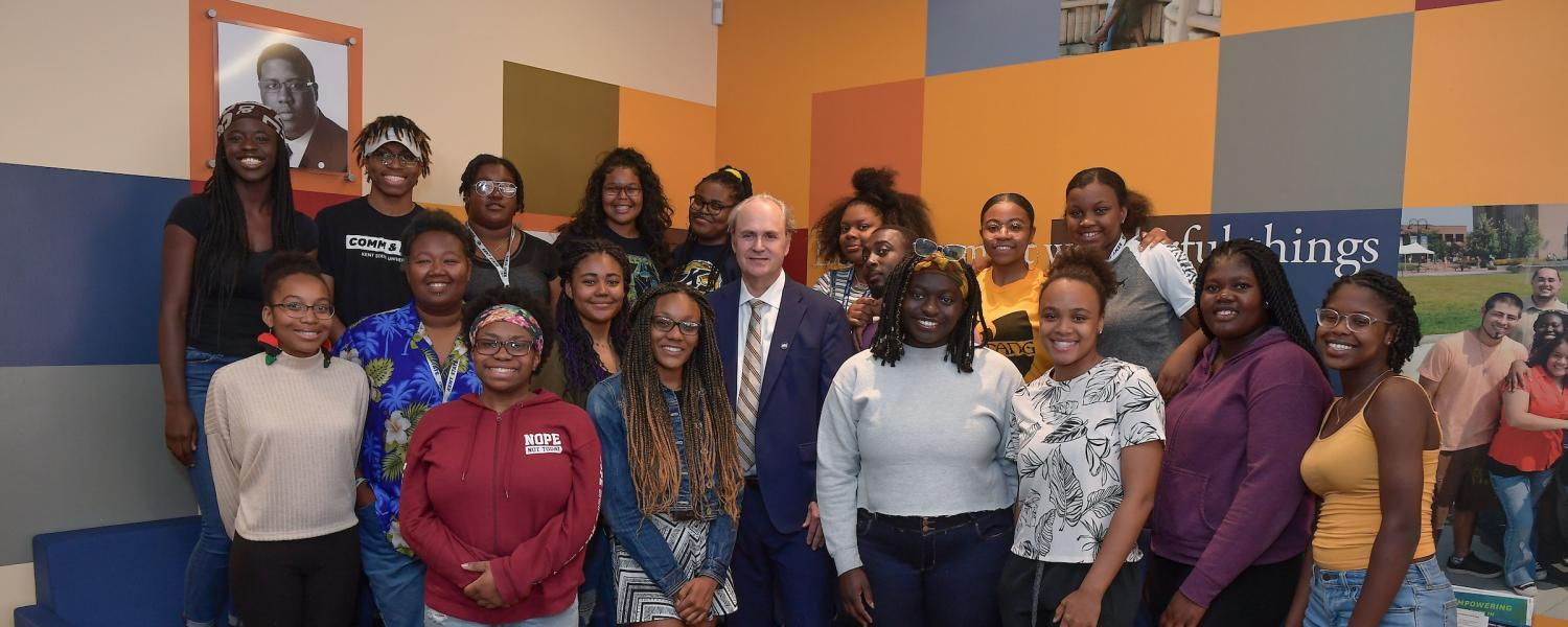 President Diacon visits with students at SMC
