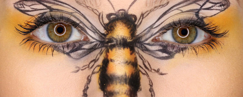 Carrie Esser: professional bee facepaint