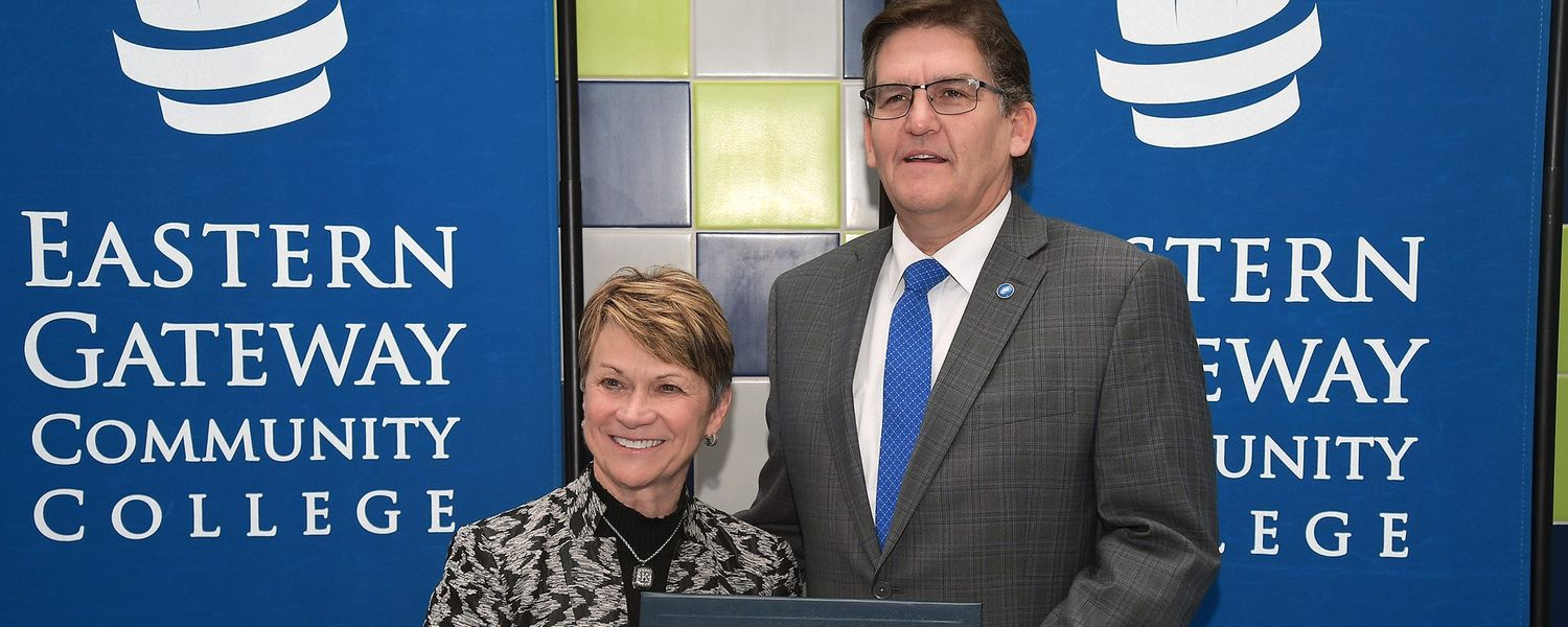 Kent State University President Beverly J. Warren and Eastern Gateway Community College President Jimmie Bruce pose for a picture after signing an agreement to form a strategic partnership.