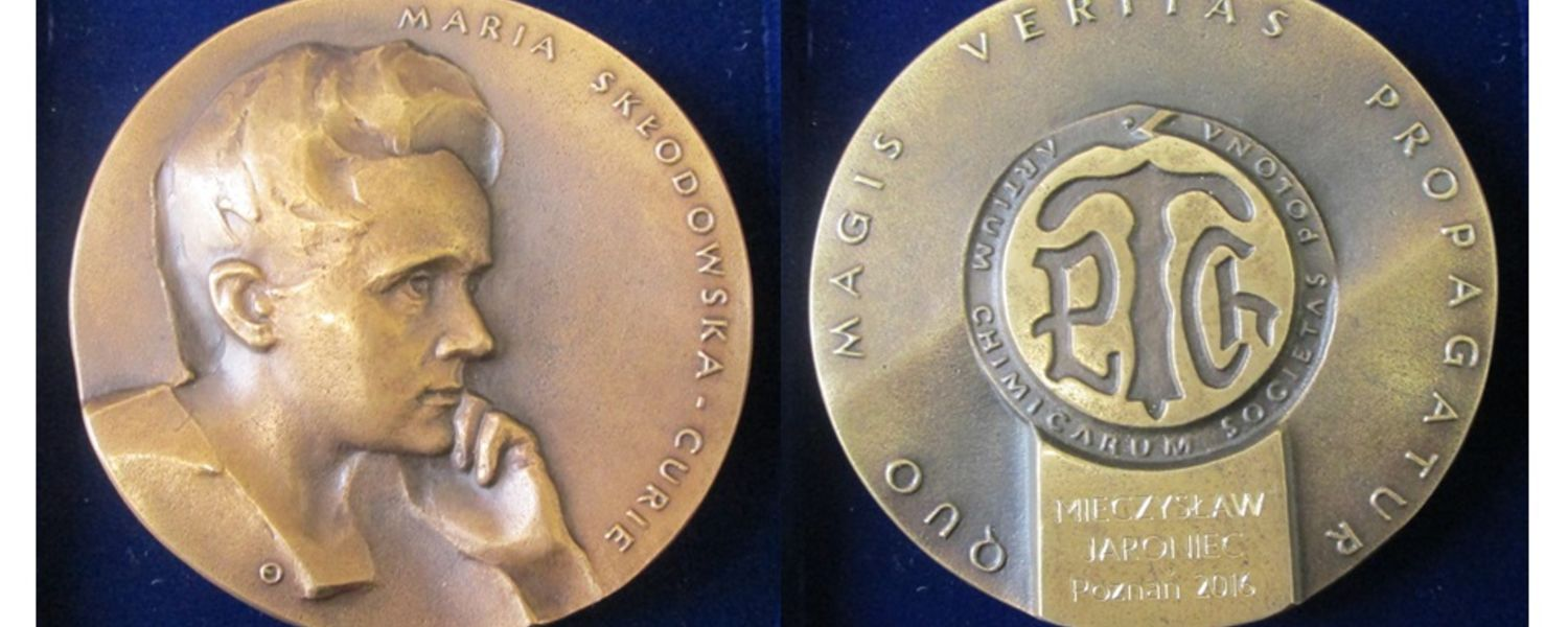The Medal of Marie Sklodowska-Curie was awarded to Mietek Jaroniec, Ph.D., a professor in Kent State University's Department of Chemistry and Biochemistry.
