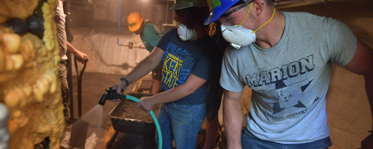 Kent State students work on a Habitat for Humanity home in Ravenna during the Freshman Day of Service.