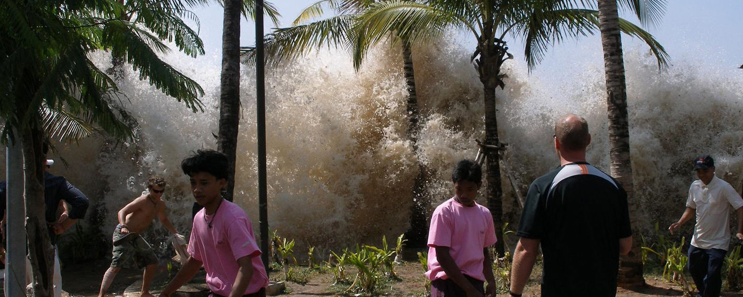 Tsunami wave hitting Ao Nang in Krabi Province, Thailand. Photo by David Rydevik (email: david.rydevikgmail.com), Stockholm, Sweden, December 26, 2004.