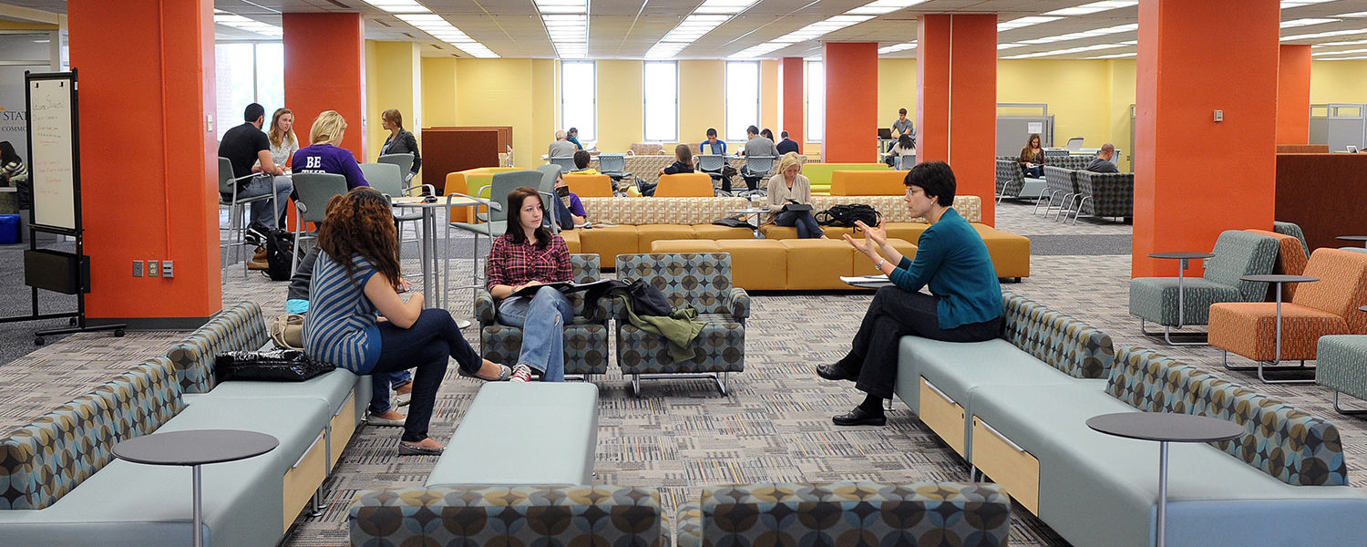 Kent State students form study groups in the Fab Fourth lounge during the first weeks of the fall semester.