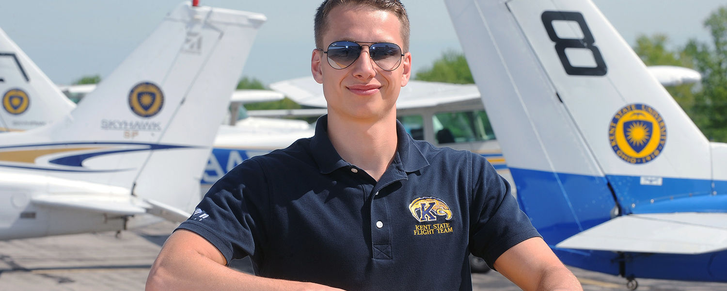 Kent State aeronautics student Ryan Weber from Chardon, Ohio, won the top spot in the power-on landing competition at the National Intercollegiate Flying Association' s Safety and Flight Evaluation Conference (SAFECON 2013) in Columbus, Ohio.