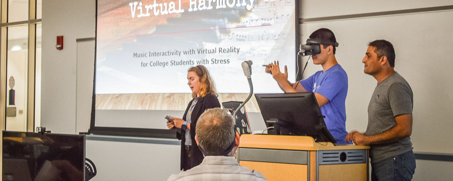 Students Combine Virtual Reality, Music to Relieve Stress