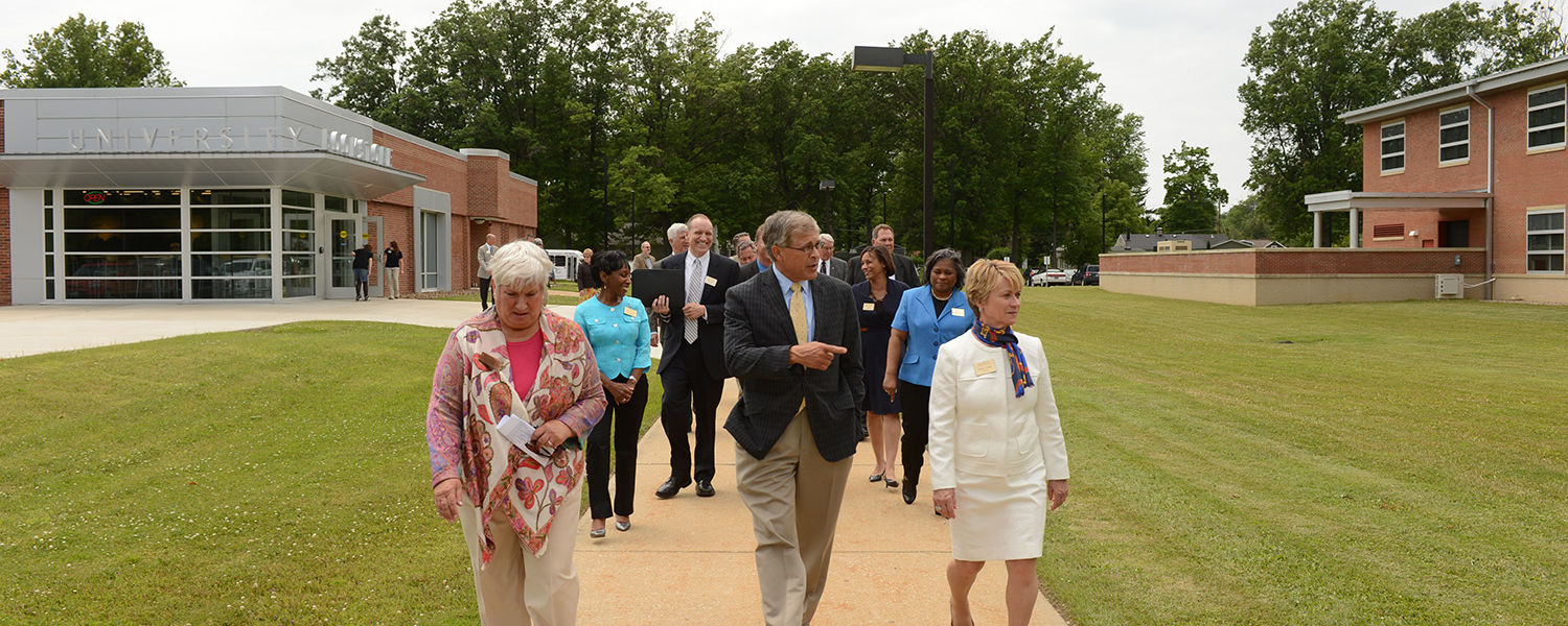 Susan Stocker (left), dean of Kent State University at Ashtabula, is joined by Kent State Board of Trustees Chair Dennis Eckart (center) and Kent State President Beverly Warren (right) for a tour of the Ashtabula Campus.