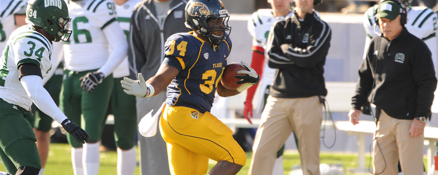 Flashes running back Traylon Durham, rushes for yards during the first half of their final home game versus Ohio University