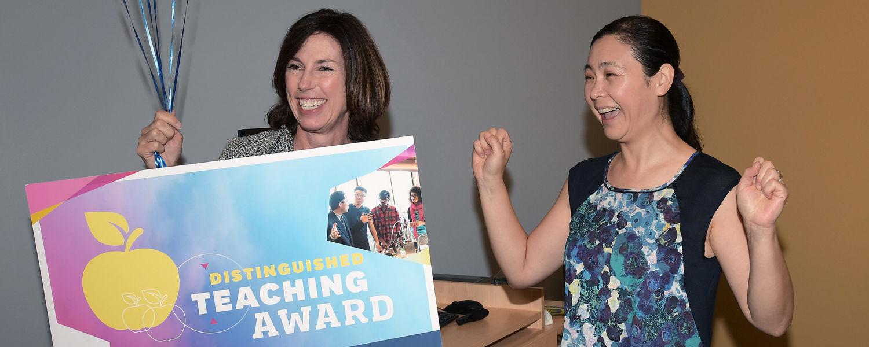 Zhiqiang Molly Wang, PhD, receiving teaching award