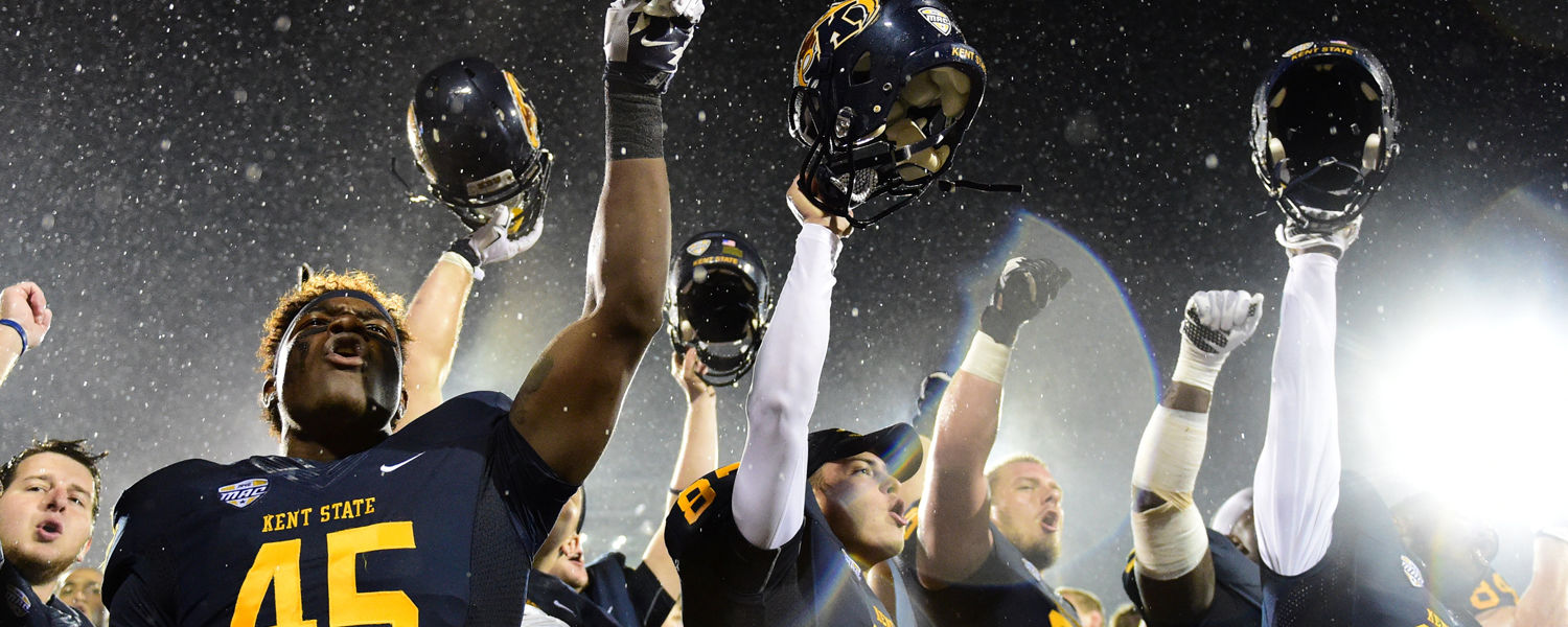 Kent State football players celebrate their 45-13 victory over Delaware State.