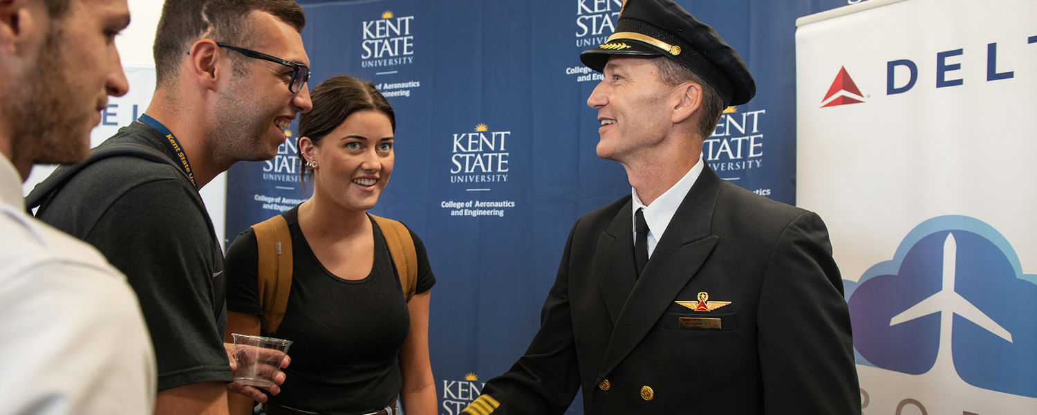Delta Air Lines Capt. Mike Perrin talks to Kent State aeronautics students.