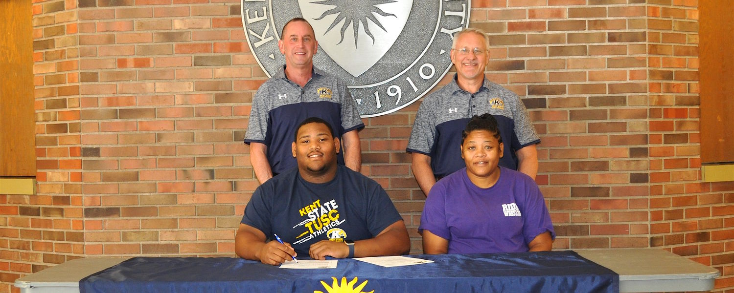 Dom Wallace Wrestling Signing